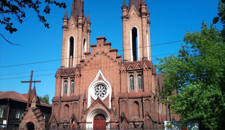 В Красноярске власти отказали католикам в передаче костёла с органом