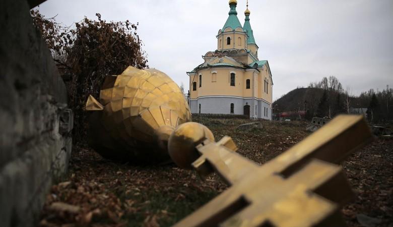 Гражданина будут судить запорчу православного креста вкузбасском поселке