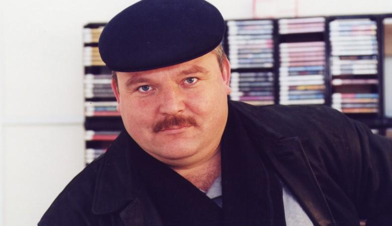 Семиклассников в Новосибирске заставили наизусть учить песню Круга «Владимирский централ»
