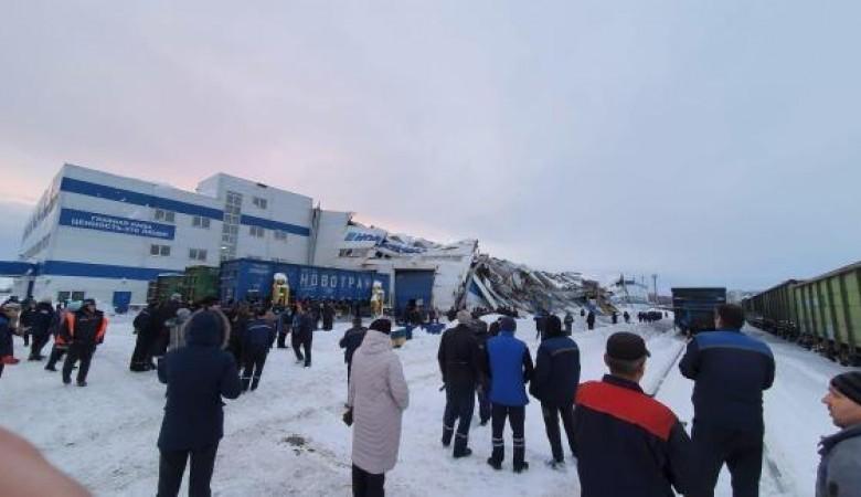В Прокопьевске приостанавливают ремонт вагонов в цехе, где обрушилась крыша