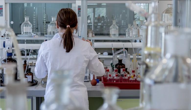 В Новосибирске заработает крупнейшая лаборатория по тестированию на COVID-19
