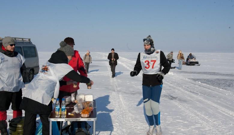 Иркутянин умер впроцессе Байкальского ледового марафона
