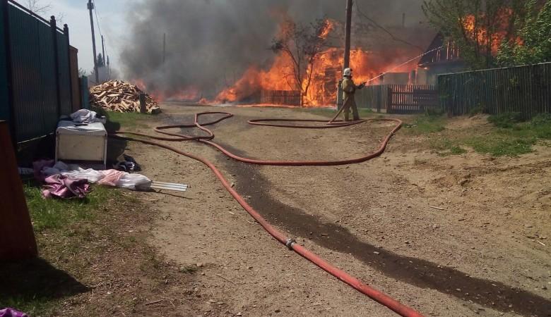 МЧС вовремя не смогли потушить пожар,теперь народ должен платить ипотеку за сгоревшие дома