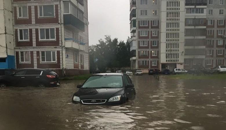 В Томске устраняют последствия сильного ливня