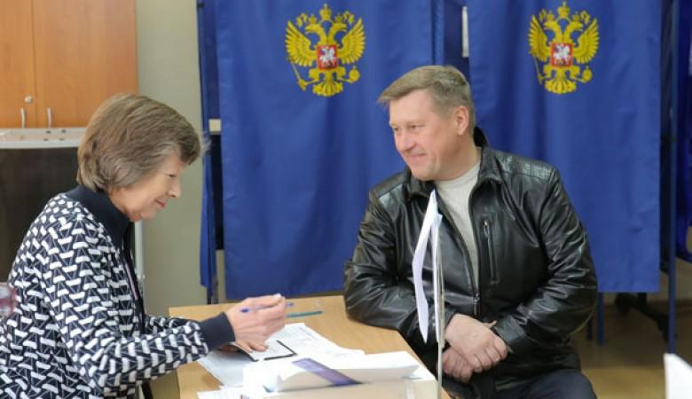 Локоть предложил внести в Конституцию РФ норму о прямых выборах в городах-миллионниках