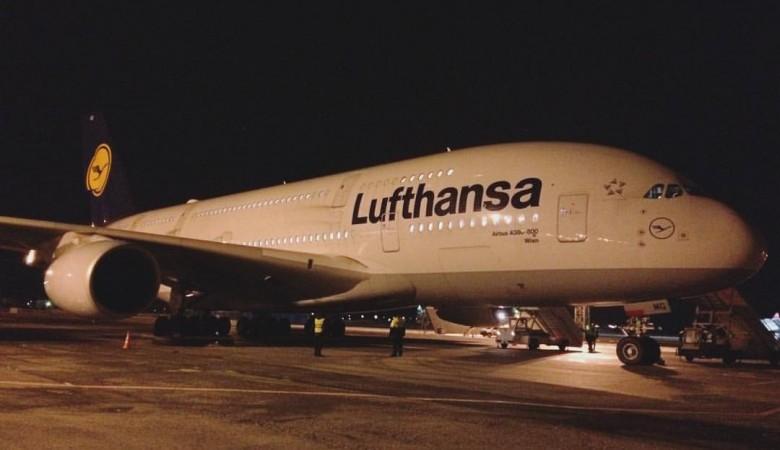 Airbus А-380 Lufthansa экстренно сел в Новосибирске