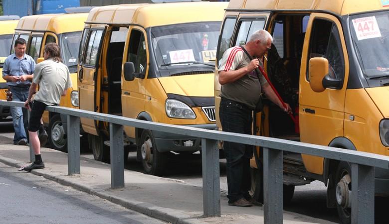 В Чите сгорели 18 маршруток предпринимателя, выступавшего за повышение цены на проезд