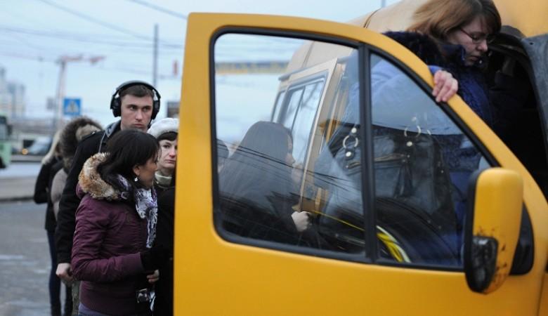 Водитель маршрутки заплатит 500 тыс. руб. за то, что спровоцировал роды у пассажирки
