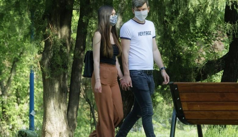 Более 1,4 тыс. омичей «поймали» коронавирус, регион готов снимать ограничения