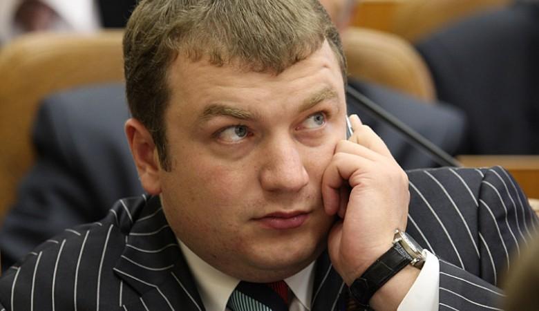 Депутата-коммуниста будут судить за присвоение 12 млн рублей жителей Алтая