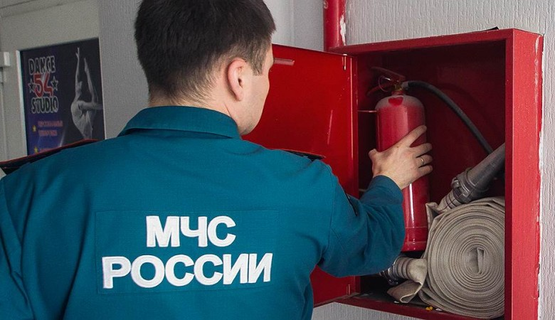 Прокуратура организовала проверку в связи с пожаром в омской пятиэтажке после взрыва газа