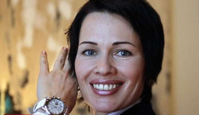 Олимпийская чемпионка по биатлону Ольга Медведцева, в чью машину попал болт, пришла в себя