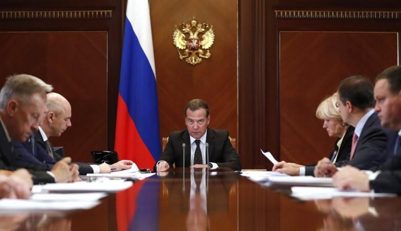 Работы по восстановлению районов, пострадавших от наводнения в Иркутской области, нужно завершить в 2023 г - премьер