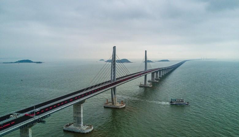 В Китае открыли самый длинный в мире морской мост, связавший Гонконг, Макао и Чжухай