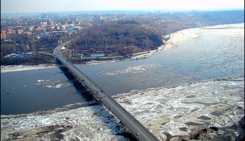 В Томске подлатали деформационный шов на старом мосту, которому давно нужен капремонт