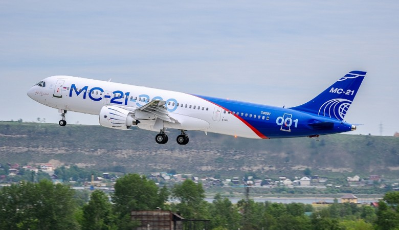 Второй летный образец российского лайнера МС-21 совершил свой первый полет над Иркутском
