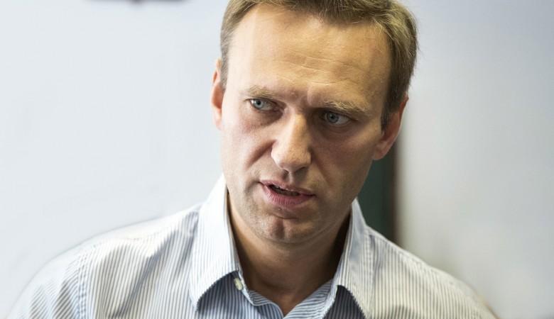 Обыски идут в новосибирском и кемеровском штабах Навального