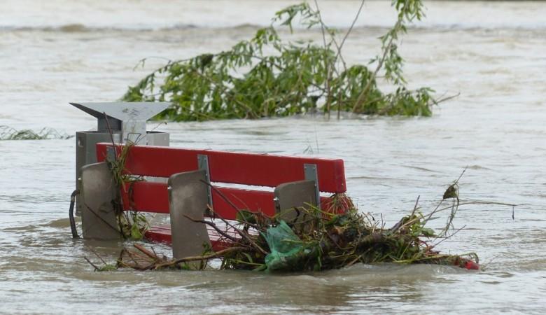 Почти 1,7 тыс домов признаны непригодными после второй волны паводка в Приангарье - Мутко