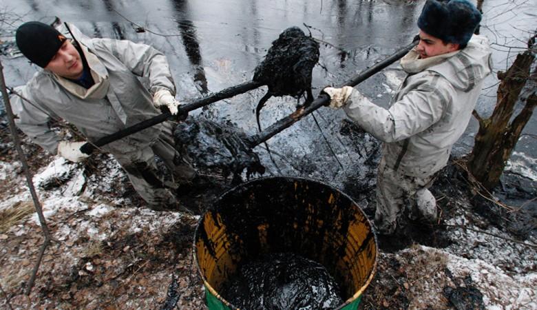 Пятеро жителей Иркутской области получили условные сроки за то, что лопатами рыли тоннель к нефтепроводу