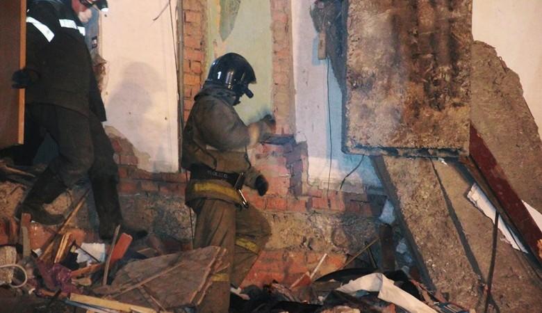 Один человек погиб, четверо извлечены живыми из-под завалов дома в Шымкенте