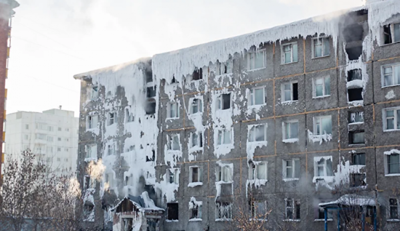 СК заинтересовался замороженным общежитием в Иркутске, которые власти не могут расселить