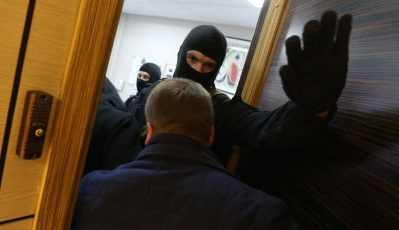 Оперативники пришли с проверкой в здание Минсоцполитики Красноярского края