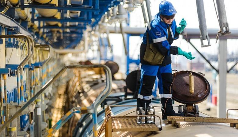 НаНефтезаводе вёмкости для реактивного топлива залили воду
