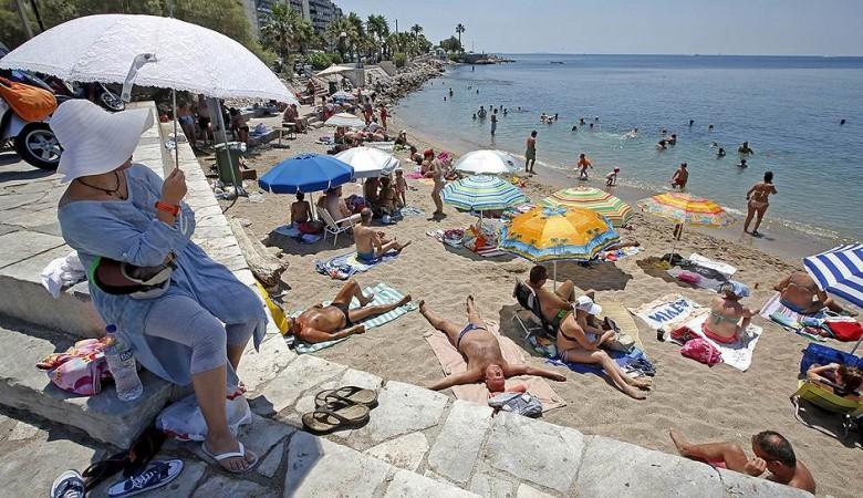 Более 60% россиян предпочитают летний отпуск проводить на пляже - исследование