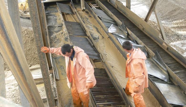 В Забайкалье в результате обрушения породы засыпало двух старателей FlashSiberia
