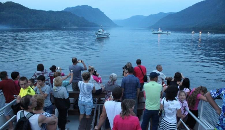 На Телецком озере пройдет парад кораблей