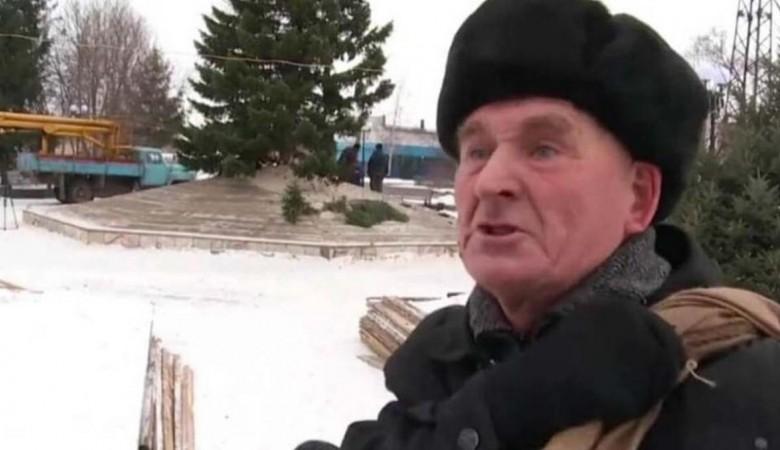 Возмущенный елочкой пенсионер из Бийска готов стать мэром города