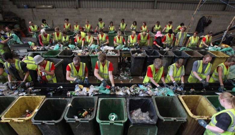 Новосибирская область перешла на новую систему обращения с мусором вроде бы организованно