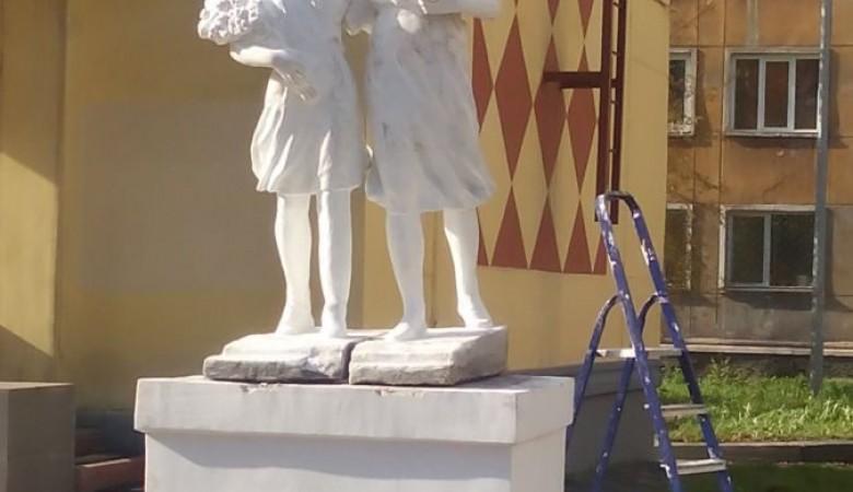 В Кузбассе установили памятник пионерам