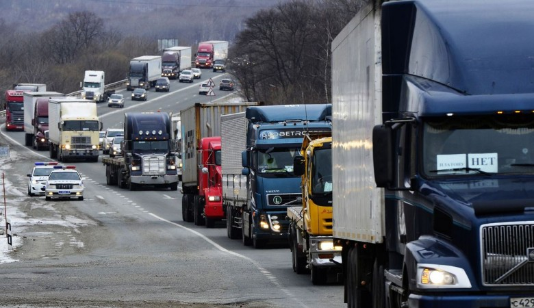 Координатора дальнобойщиков оштрафовали за автопробег против «Платона» в Иркутске