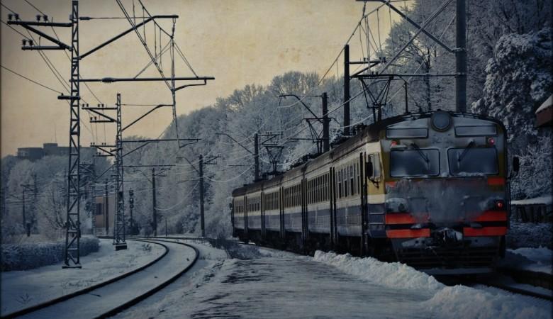 ВКузбассе пассажиры поезда чуть незадохнулись из-за нерадивого студента