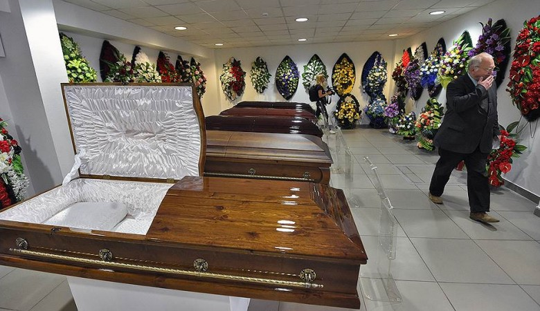 В Кузбассе похоронная служба незаконно получила 1 млн руб за захоронение 389 трупов