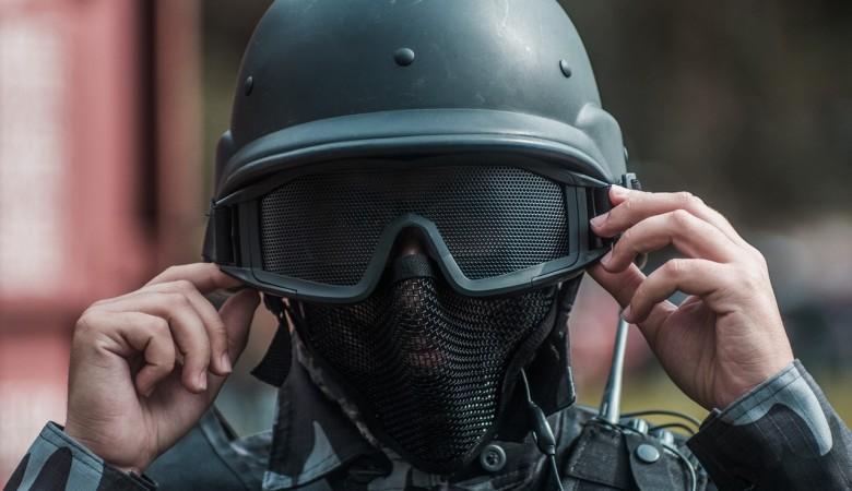 Суд арестовал полицейских, применивших шокер для того, чтобы разбудить жителя Иркутска