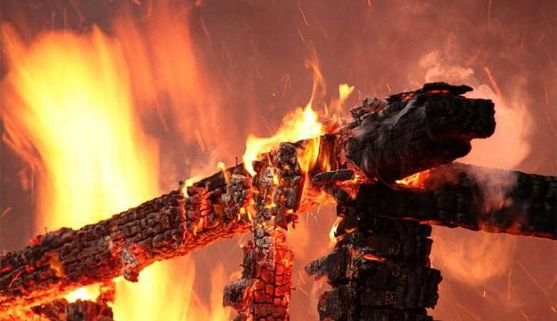 ВПриангарье впожаре впоселке Загорье погибли 4 человека
