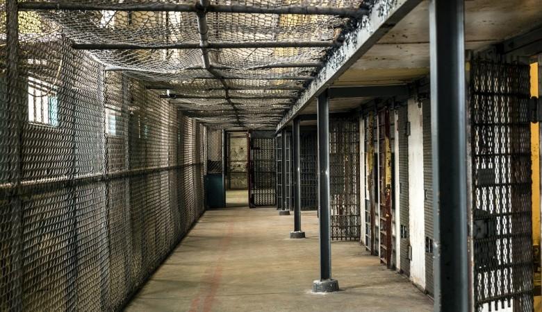 Заключённый подложил муляж вместо себя и сбежал из красноярской колонии
