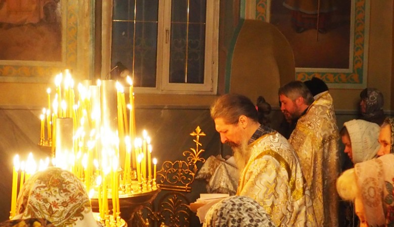 В Томске провели молебен о прекращении абортов