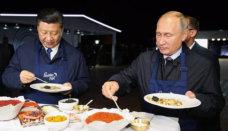 Мед, который оценили Путин и Си Цзиньпин на ВЭФ, продают в Китае и попробовали в Корее