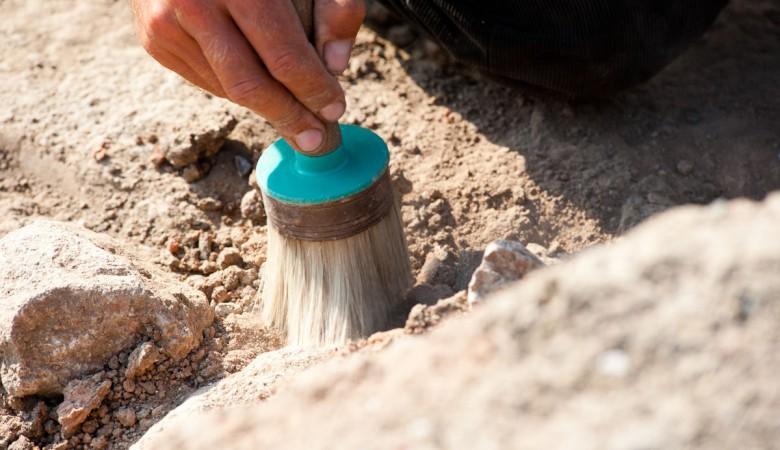 Археологи нашли в Денисовой пещере на Алтае древний карандаш