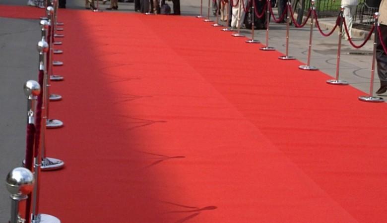 Хакасский парламент хочет себе кремлевскую красную дорожку