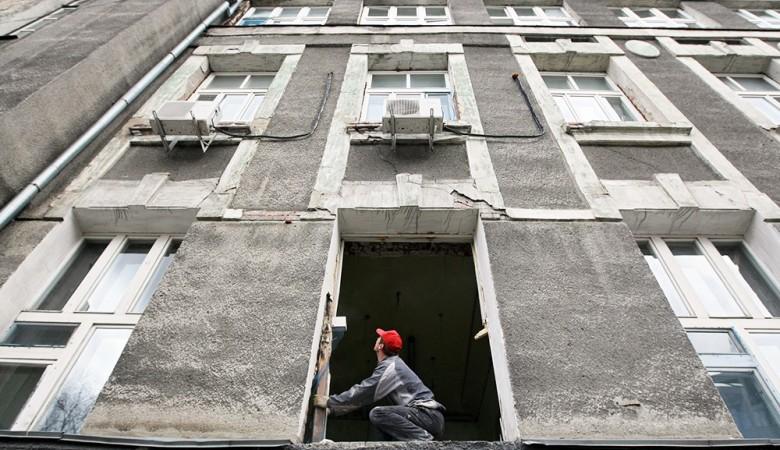 В Томской области рабочего насмерть придавило плитой при разборе здания