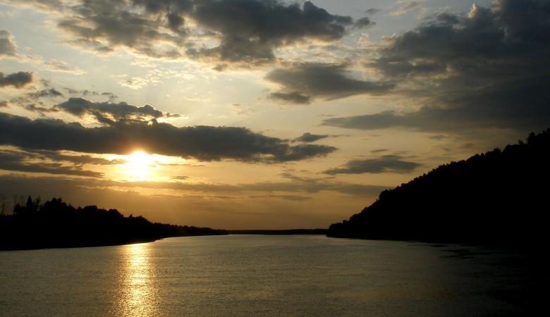 Омичи летом купались в реках с фосфатами, медью, азотом и ртутью