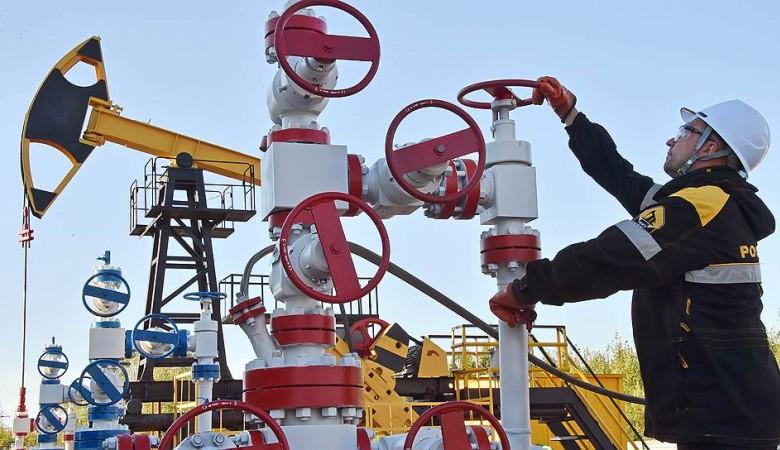 Новым гендиректором Ангарской нефтехимической компании назначили Василия Захарова
