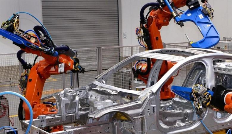 КНР  загод увеличил выпуск индустриальных  роботов на34%