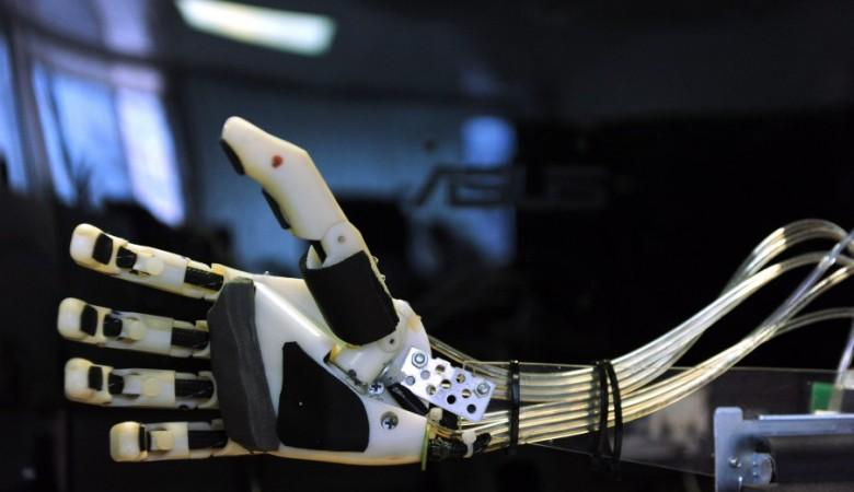 Сибирские ученые создают робота для эвакуации людей из зоны ЧС