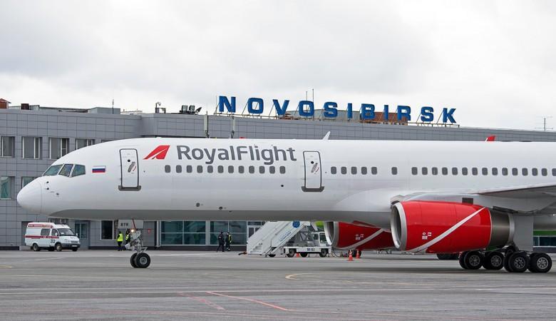 Вылет рейса Новосибирск-Бангкок схвачен из-за неисправности руля усамолета