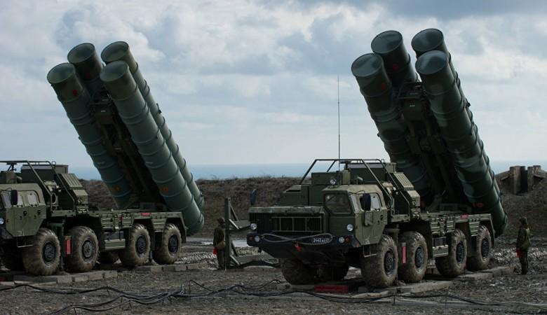 Расчеты ЗРК С-400 в Сибири отразили авиаудар условного противника